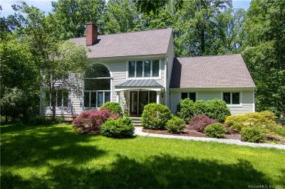 Weston Single Family Home For Sale: 374 Good Hill Road