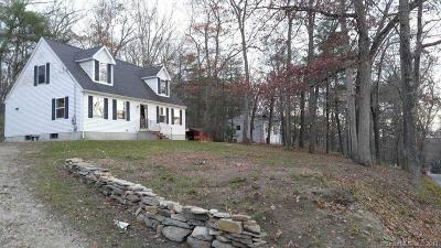 Killingly Single Family Home For Sale: 114 Breakneck Hill Road