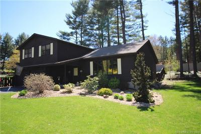 Southington Single Family Home For Sale: 32 Hidden Hills Drive