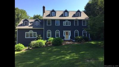 Newtown Single Family Home For Sale: 13 Old Farm Hill Road