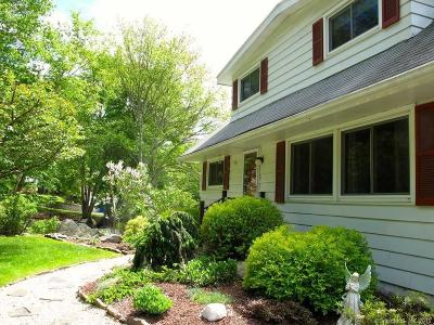 Middlebury CT Single Family Home For Sale: $299,900