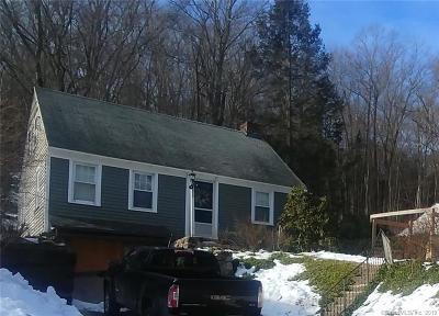 Torrington Single Family Home For Sale: 1335 Norfolk Road