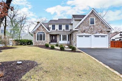 Stamford Single Family Home For Sale: 37 Hunting Lane
