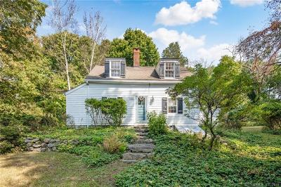 Danbury Single Family Home For Sale: 56 Wooster Heights