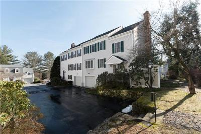 New Canaan Condo/Townhouse For Sale: 42 Heritage Hill Road #42