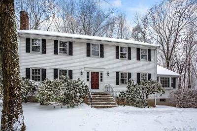 Avon Single Family Home For Sale: 71 Kingsbridge