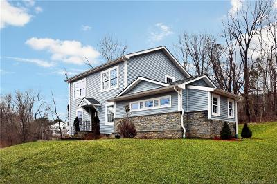 Brookfield Single Family Home For Sale: 53 Old Middle Road