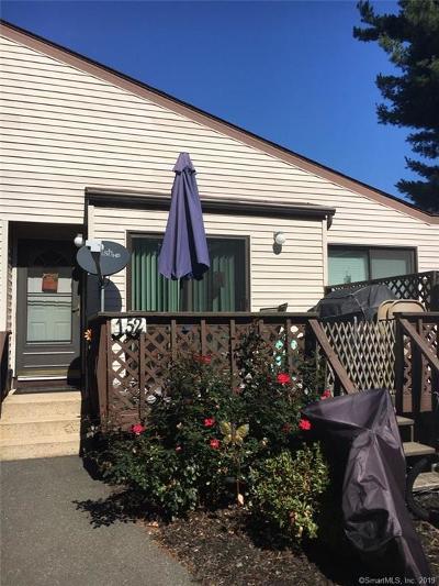 Newington Condo/Townhouse For Sale: 152 Cottonwood Road #152