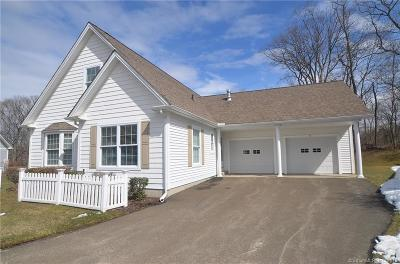 East Haven Single Family Home For Sale: 98 Allison Way #98
