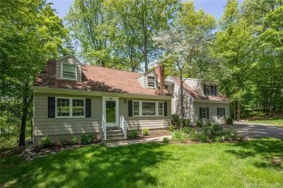 Ridgefield Single Family Home For Sale: 41 Rolling Ridge Road
