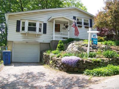 Waterbury Single Family Home For Sale: 352 Robinwood Road