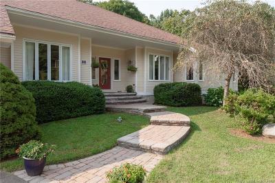 Madison Single Family Home For Sale: 31 Horsebarn Lane