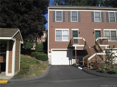 New Haven County Condo/Townhouse Show: 59 Foxbridge Village Road #59