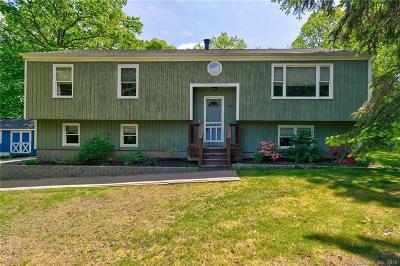Naugatuck Single Family Home For Sale: 168 Fieldstone Terrace