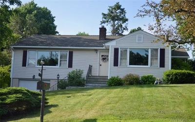 Middlebury CT Single Family Home For Sale: $275,000
