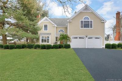 Fairfield Single Family Home For Sale: 1 Orchard Hill Drive