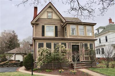 Southington Single Family Home For Sale: 104 Meriden Avenue