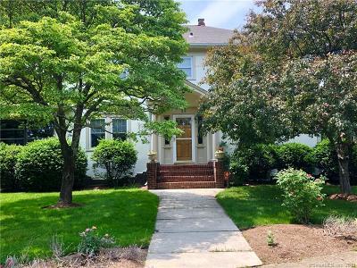 Norwalk Single Family Home For Sale: 112 Gregory Boulevard