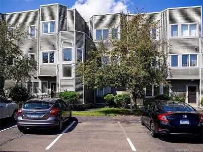 Hamden Condo/Townhouse For Sale: 1412 Whitney Avenue #H3