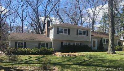 Cheshire Single Family Home For Sale: 1315 Deer Run Circle