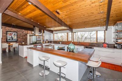 Farmington Single Family Home For Sale: 50 Forest Hills Drive