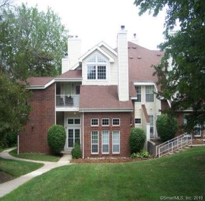 Middletown Condo/Townhouse For Sale: 53 Carriage Crossing