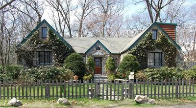 Norwalk Single Family Home For Sale: 8 Hillwood Place
