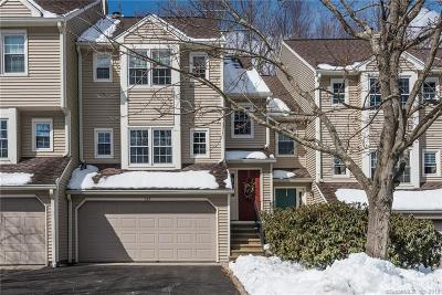 Trumbull Condo/Townhouse For Sale: 127 Governor Trumbull Way #127