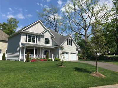 Stamford Single Family Home For Sale: 15 Walnut Ridge Court
