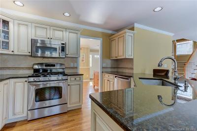 Stamford Single Family Home For Sale: 110 Edward Place