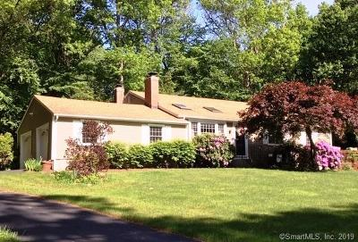 Simsbury Single Family Home For Sale: 33 Red Stone Drive