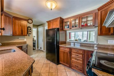 Trumbull Single Family Home For Sale: 21 Hyde Terrace