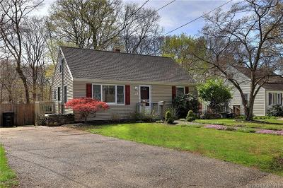 Milford Single Family Home For Sale: 25 Lakeside Road
