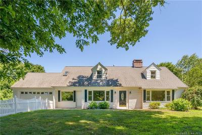 Danbury Single Family Home For Sale: 33 Valerie Lane