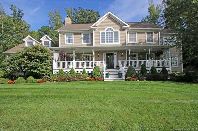 Woodbury CT Single Family Home For Sale: $549,900