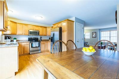 New Haven County Condo/Townhouse For Sale: 119 Taft Pointe #7