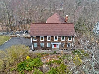 Ridgefield Single Family Home For Sale: 25 Waters Edge Way