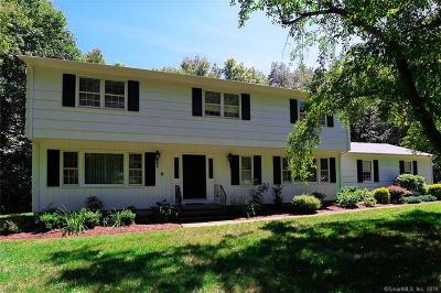 New Haven County Single Family Home For Sale: 44 Country Club Drive