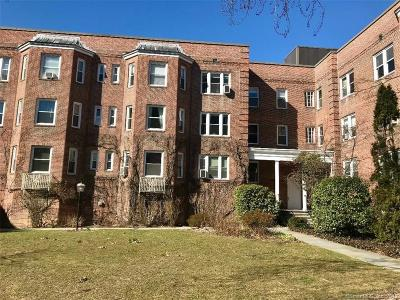 Stamford Condo/Townhouse For Sale: 70 Strawberry Hill Avenue #2-2A
