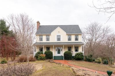Woodbury Single Family Home Show: 584 Middle Road Turnpike