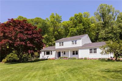 Norwalk Single Family Home For Sale: 2 Woodchuck Court
