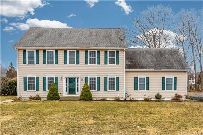 Southington Single Family Home For Sale: 11 Wyndcrest Court