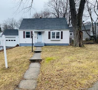 Naugatuck Single Family Home For Sale: 396 Quinn Street