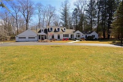 Ridgefield Single Family Home For Sale: 668 Ridgebury Road