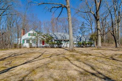 Woodbridge Single Family Home For Sale: 50 Fox Hill Road