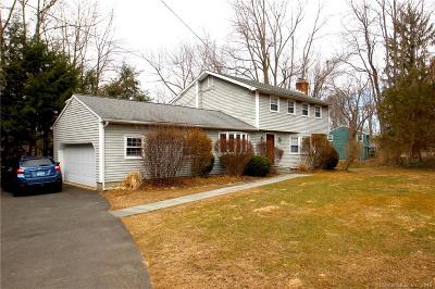 Ridgefield Single Family Home For Sale: 51 Cedar Lane