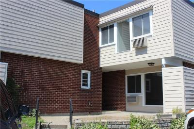 West Haven Condo/Townhouse For Sale: 56 West Walk #56
