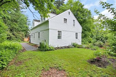 Woodbury Single Family Home For Sale: 322 Old Town Farm Road
