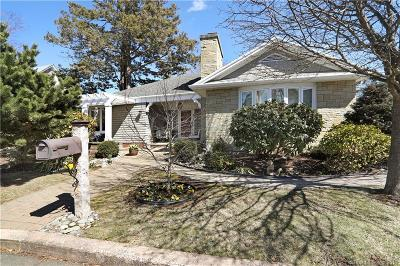 Branford Single Family Home For Sale: 25 Crescent Bluff Avenue