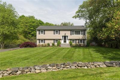 Ridgefield Single Family Home For Sale: 8 Fieldcrest Drive
